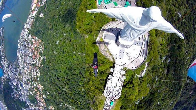 Высокая статуя Христа вид goPro